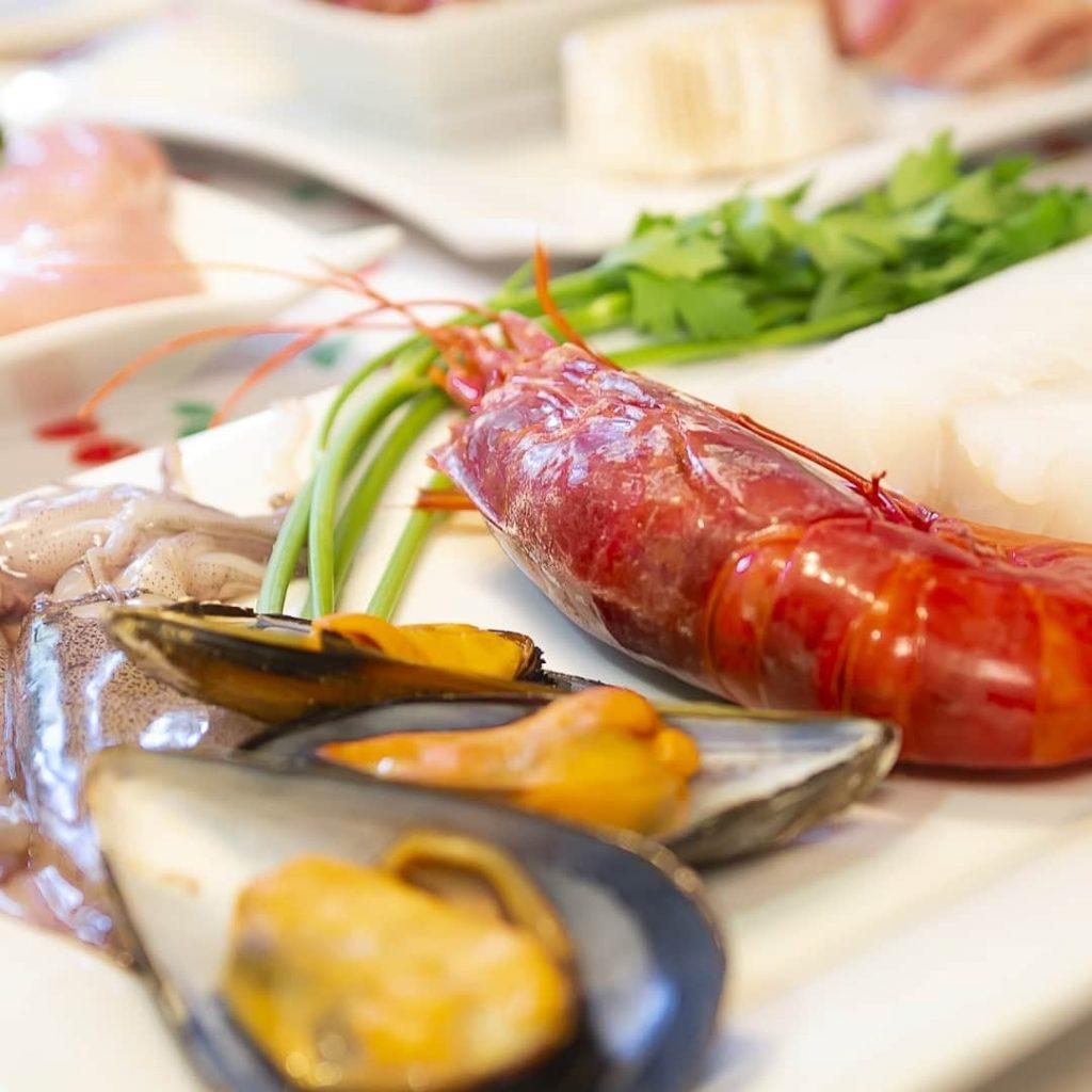 ingredientes para hacer distintas croquetas de mariscos